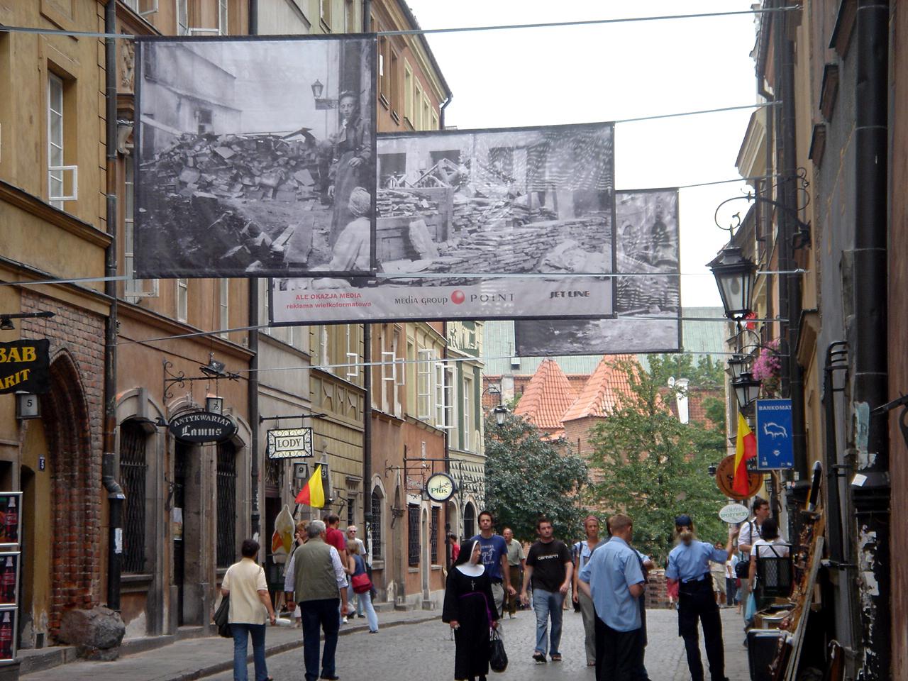 Skrawek wolnej Warszawy_1