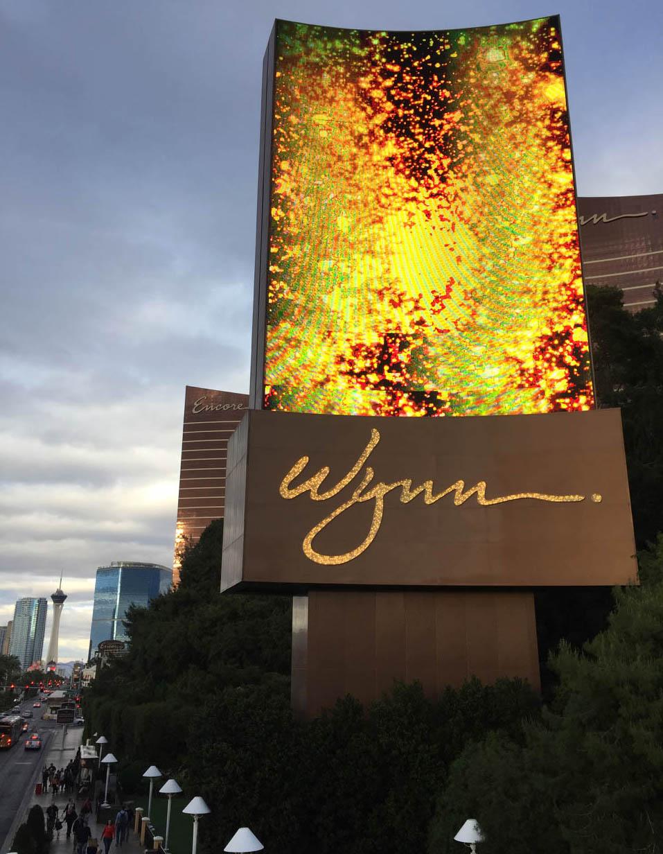 TAMA NARZECE KOLORADO, TANI PRĄD iTHOMAS YOUNG, czyli historia neonów wLas Vegas.