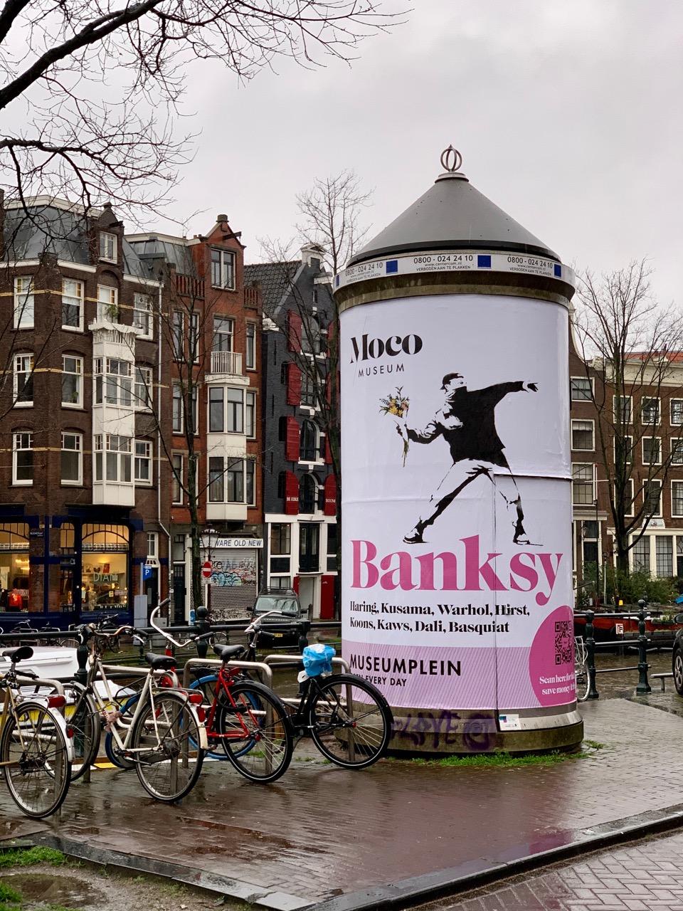 Reklama zewnętrzna w Amsterdamie