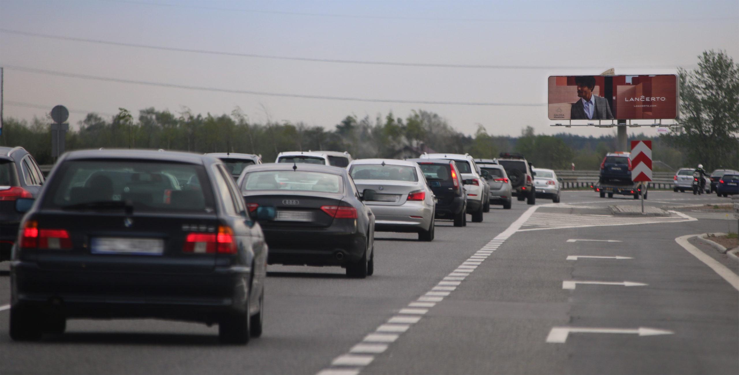 Ruch samochodowy wraca na trasy