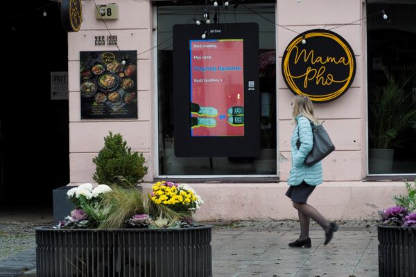 sieć DOOH w Warszawie